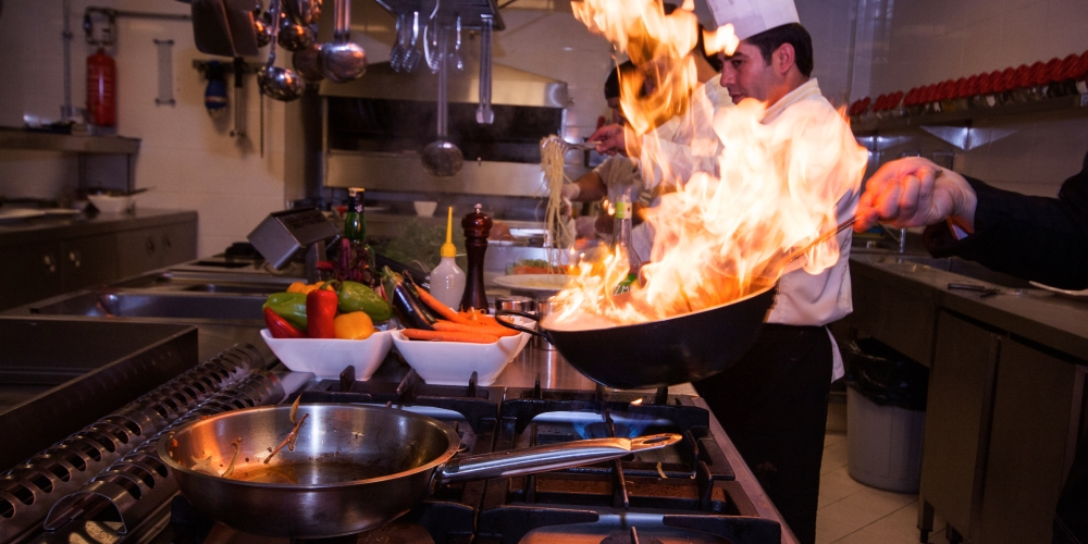 Consejos tiles para la cocina de tu restaurante master chef for Utiles de cocina